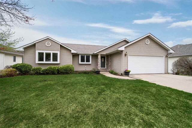 720 Forest Edge Dr, Coralville, IA 52241 (MLS #202102141) :: Lepic Elite Home Team