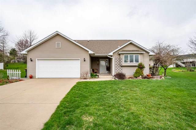 21 Wolfbrook Circle, Iowa City, IA 52246 (MLS #202102149) :: Lepic Elite Home Team