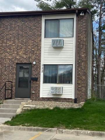 922 Benton Drive, Iowa City, IA 52246 (MLS #202102242) :: The Johnson Team