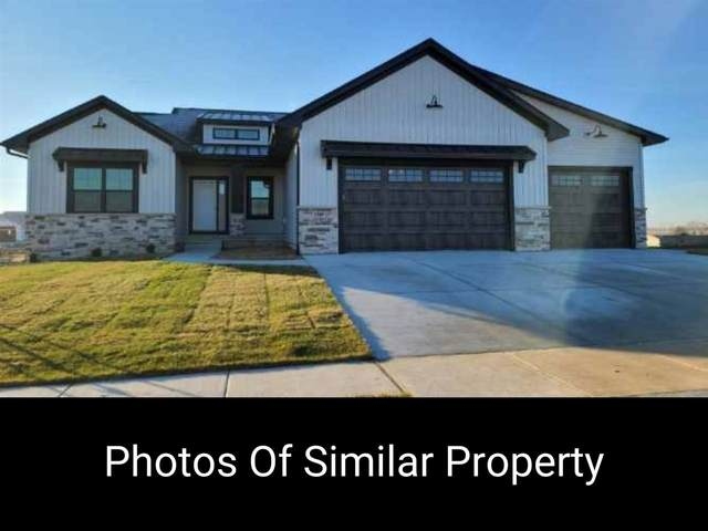1424 Foxborough Drive, Marion, IA 52302 (MLS #202102308) :: Lepic Elite Home Team