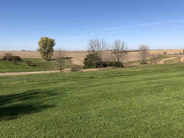 10/12 Lazy Brook Drive, West Branch, IA 52358 (MLS #202102335) :: The Johnson Team