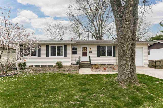 1021 Tower Ct, Iowa City, IA 52246 (MLS #202102410) :: The Johnson Team