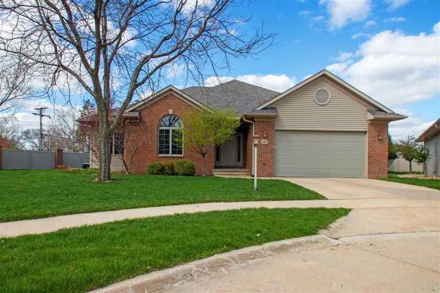 102 Birkdale Ct, Iowa City, IA 52246 (MLS #202102468) :: The Johnson Team
