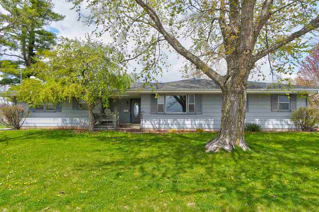 1102 E Tyler St, Washington, IA 52353 (MLS #202102490) :: The Johnson Team