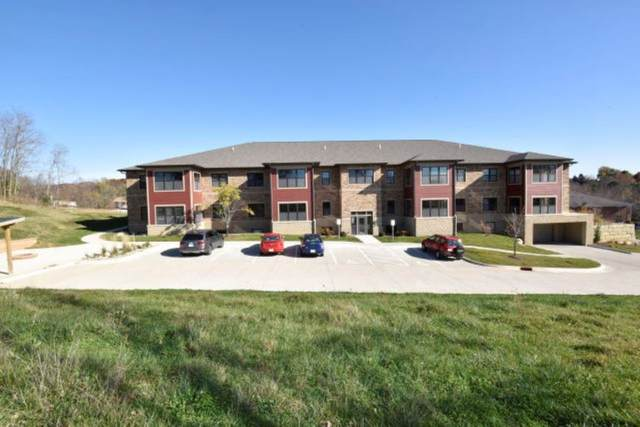 811 N 1st Ave, Iowa City, IA 52245 (MLS #202102506) :: The Johnson Team
