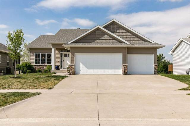 1043 Langenberg Ave, Iowa City, IA 52240 (MLS #202102618) :: The Johnson Team