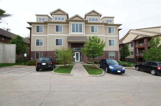 1820 Benton St #203, Iowa City, IA 52246 (MLS #202102682) :: The Johnson Team