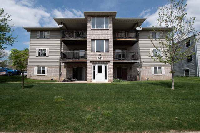 203 5th St #3, Coralville, IA 52241 (MLS #202102780) :: The Johnson Team