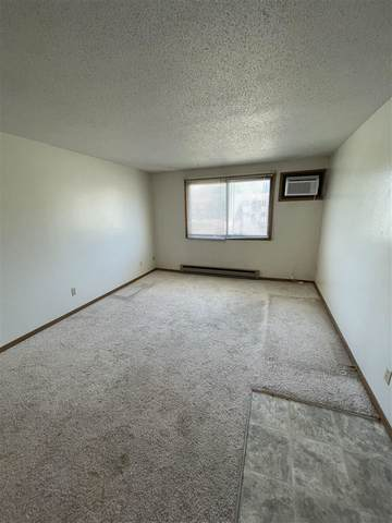 814 Benton Dr #32, Iowa City, IA 52246 (MLS #202102811) :: The Johnson Team