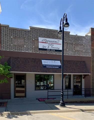 506 Elm St, Williamsburg, IA 52361 (MLS #202102833) :: The Johnson Team