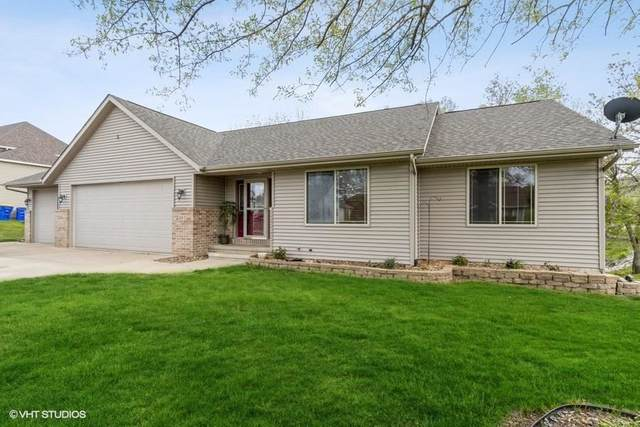 287 W Goldfinch Dr, Tiffin, IA 52340 (MLS #202102837) :: The Johnson Team