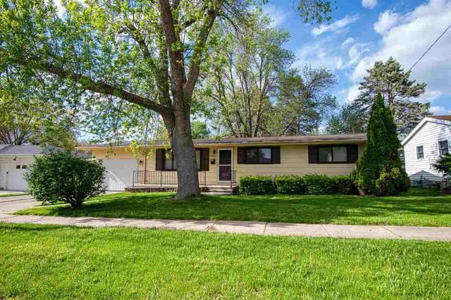 1300 Brookwood Dr, Iowa City, IA 52240 (MLS #202102838) :: Lepic Elite Home Team
