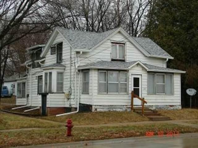 620 Kirkwood Ave, Iowa City, IA 52240 (MLS #202102844) :: Lepic Elite Home Team
