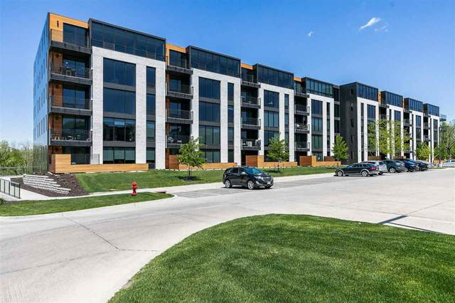 1 University Way #208, Iowa City, IA 52246 (MLS #202102863) :: Lepic Elite Home Team