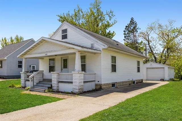 1646 NW 8th St, Cedar Rapids, IA 52405 (MLS #202102906) :: The Johnson Team