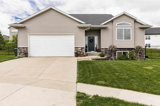 1611 Colony Ct. Se, Cedar Rapids, IA 52403 (MLS #202103185) :: The Johnson Team