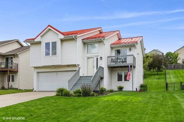 1731 Parkway Dr, Coralville, IA 52241 (MLS #202103213) :: The Johnson Team