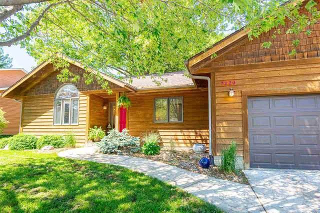 2726 Hickory Trail, Iowa City, IA 52245 (MLS #202103270) :: The Johnson Team