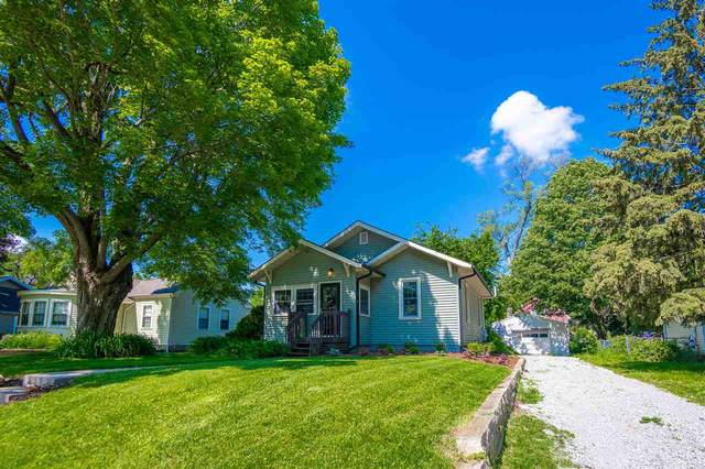 608 7th Ave, Coralville, IA 52241 (MLS #202103314) :: The Johnson Team