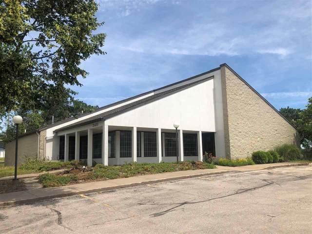 2405 Westdale Dr, Cedar Rapids, IA 52404 (MLS #202103504) :: Lepic Elite Home Team