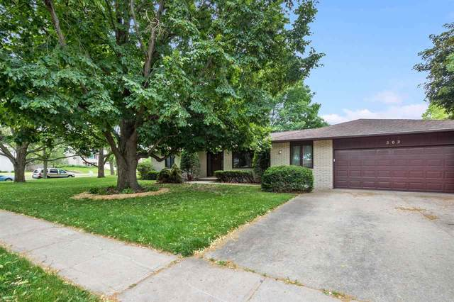 502 Holiday Rd, Coralville, IA 52241 (MLS #202103516) :: The Johnson Team