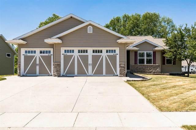 4606 Pueblo St Sw, Cedar Rapids, IA 52404 (MLS #202103572) :: Lepic Elite Home Team