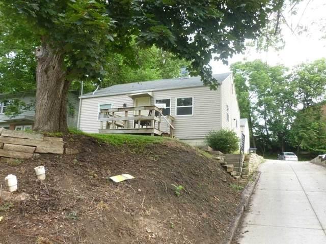 512 W Benton St, Iowa City, IA 52246 (MLS #202103853) :: Lepic Elite Home Team