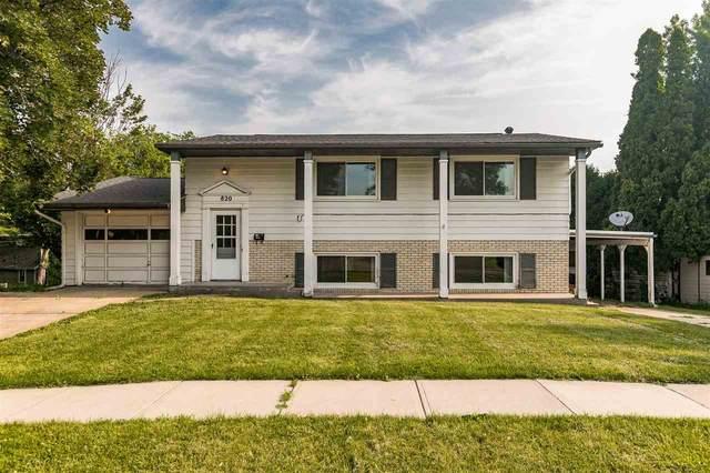 820 Woodside Dr., Iowa City, IA 52246 (MLS #202103906) :: Lepic Elite Home Team