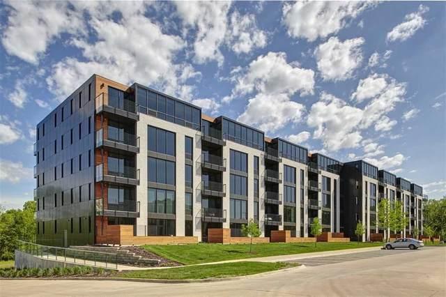 1 University Way #403, Iowa City, IA 52246 (MLS #202103950) :: Lepic Elite Home Team