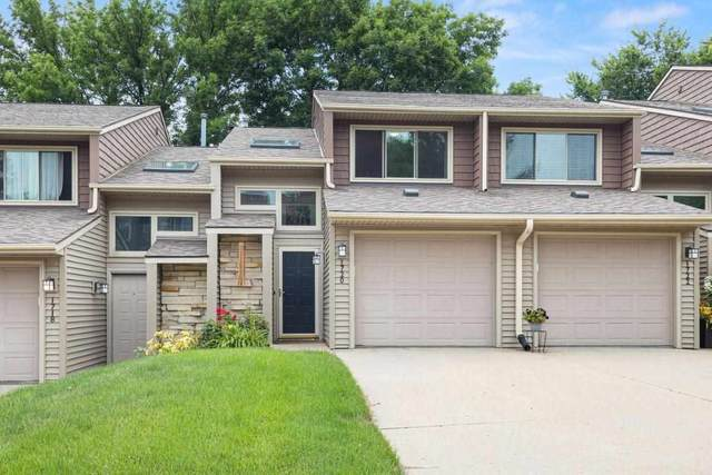 1720 Lynncrest Dr, Coralville, IA 52241 (MLS #202104064) :: The Johnson Team