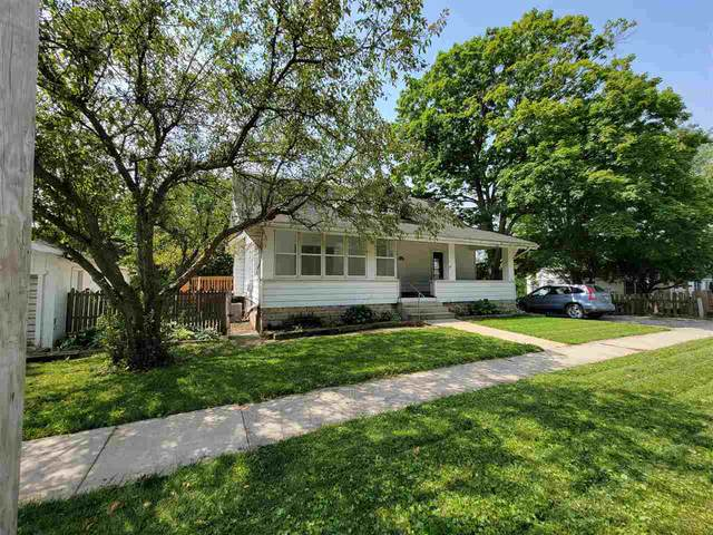 328 W Main St, West Branch, IA 52358 (MLS #202104193) :: Lepic Elite Home Team
