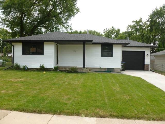 721 Highland Ave, Iowa City, IA 52240 (MLS #202104230) :: The Johnson Team