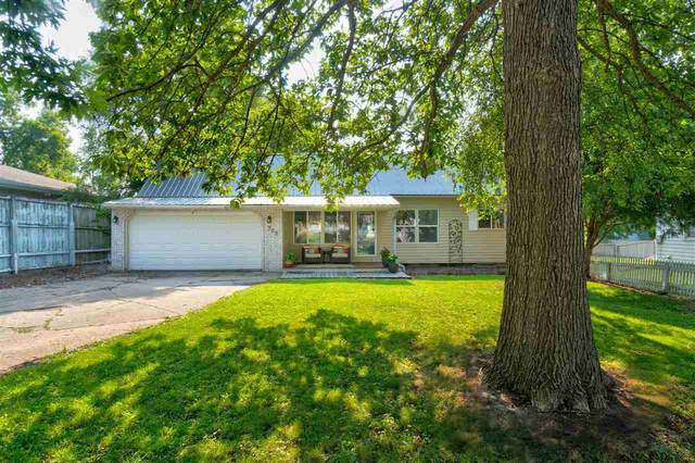 709 6th Ave, Coralville, IA 52241 (MLS #202104318) :: Lepic Elite Home Team