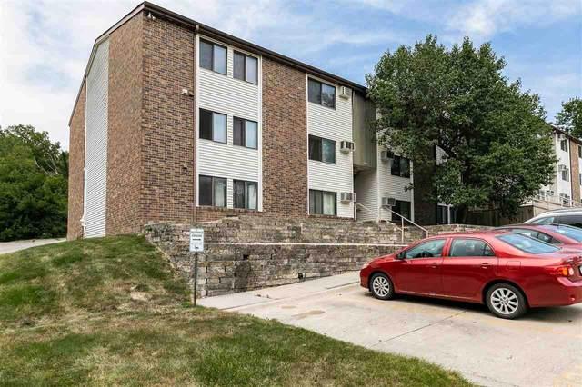 904 Benton Dr Unit 34, Iowa City, IA 52246 (MLS #202104683) :: Lepic Elite Home Team