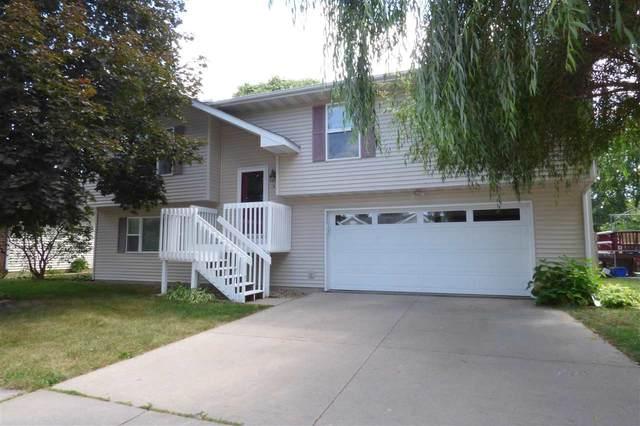 51 Stanwyck Dr, Iowa City, IA 52240 (MLS #202104722) :: Lepic Elite Home Team