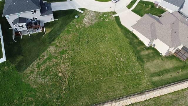 951 Cardinal Pl, Iowa City, IA 52246 (MLS #202105023) :: Lepic Elite Home Team