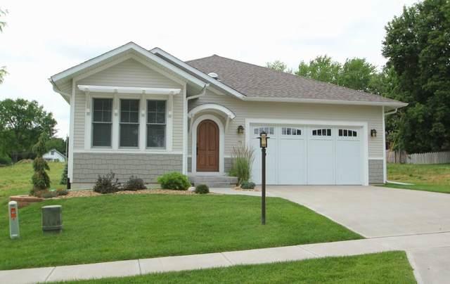 91 Olive Ct, Iowa City, IA 52246 (MLS #202105027) :: Lepic Elite Home Team