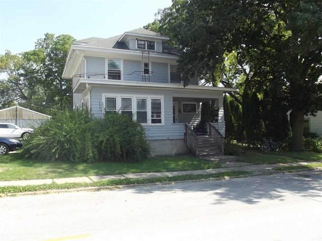 114 Evans St, Iowa City, IA 52245 (MLS #202105095) :: Lepic Elite Home Team