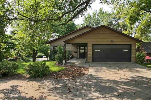 405 Pleasant St., Iowa City, IA 52245 (MLS #202105135) :: Lepic Elite Home Team