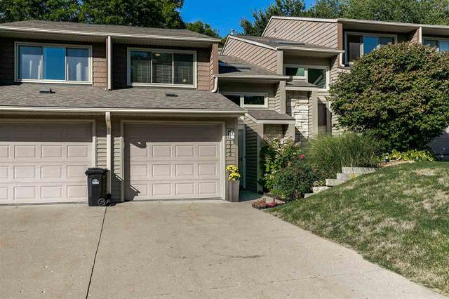 1722 Lynncrest Dr, Coralville, IA 52241 (MLS #202105165) :: The Johnson Team