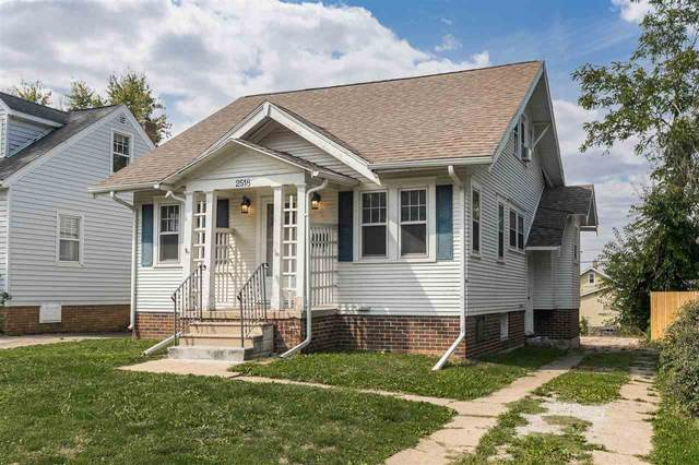 2518 A Avenue Ne, Cedar Rapids, IA 52402 (MLS #202105212) :: Lepic Elite Home Team
