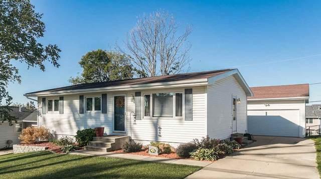 336 Wiley Blvd Nw, Cedar Rapids, IA 52405 (MLS #202105273) :: The Johnson Team