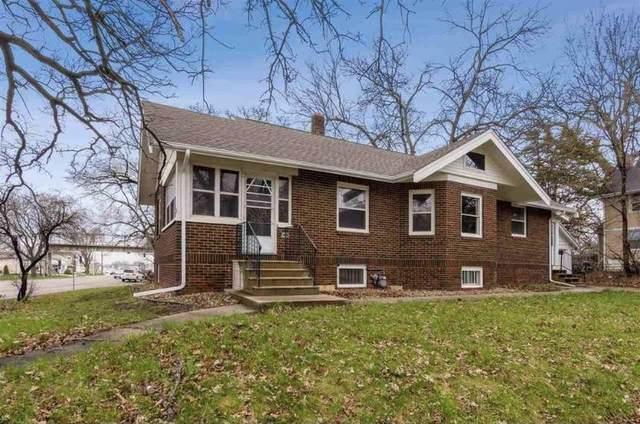 2601 1st Ave Se, Cedar Rapids, IA 52402 (MLS #202105274) :: Lepic Elite Home Team