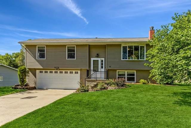 1476 Valley View Dr., Coralville, IA 52241 (MLS #202105278) :: Lepic Elite Home Team