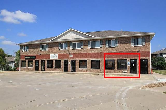 209 Scott Ct, Iowa City, IA 52245 (MLS #202105312) :: Lepic Elite Home Team