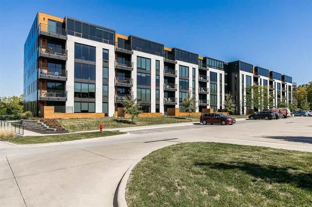 1 University Way #402, Iowa City, IA 52246 (MLS #202105345) :: The Johnson Team
