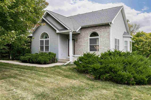 1661 12th Ave, Coralville, IA 52241 (MLS #202105428) :: Lepic Elite Home Team