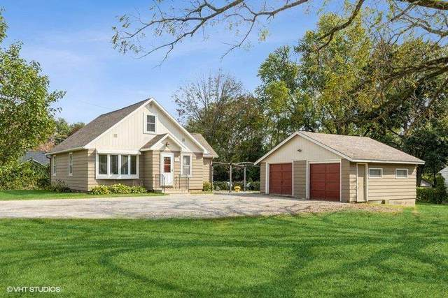 619 10th Ave, Coralville, IA 52241 (MLS #202105537) :: Lepic Elite Home Team