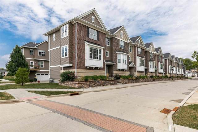 420 3rd Ave #1, Coralville, IA 52241 (MLS #202105578) :: The Johnson Team