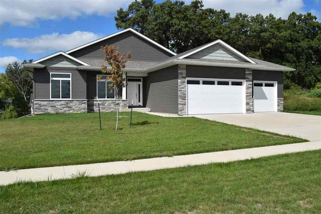 525 Deer View Ave, Tiffin, IA 52340 (MLS #202001984) :: Lepic Elite Home Team